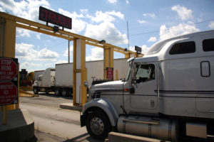 Loading & Unloading Safely at Terminals: 7 Key Tips